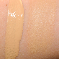 Urban Decay Naked Skin Weightless Ultra Definition Liquid Makeup Swatch