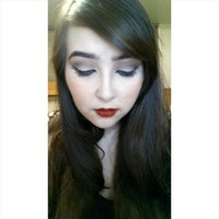 Yamara makeup