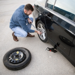 How to Change a Tire Blog Teaser