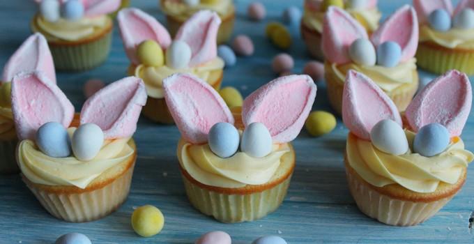 Easter Bunny Vanilla Sour Cream Cupcakes with Lemon Buttercream