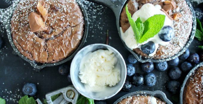 Flourless Dark Chocolate Chunk Skor Brownies