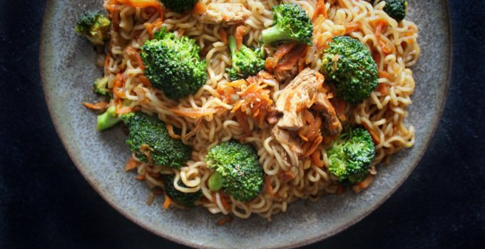 Spicy Chicken Yakisoba Noodles