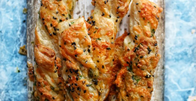 Black Sesame & Herb Double Cheese Twists