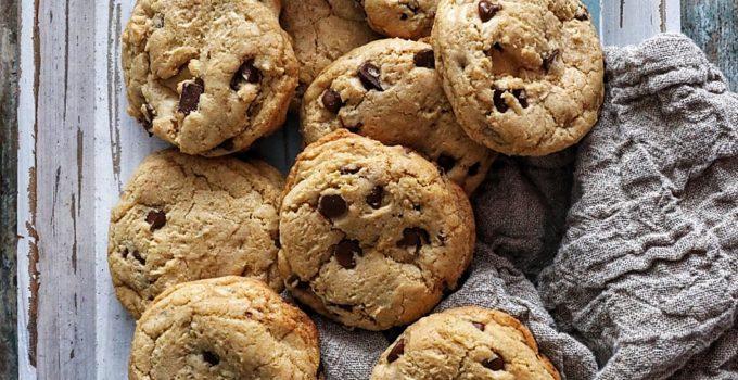 Dark Chocolate Chunk Cookies with Pink Sea Salt