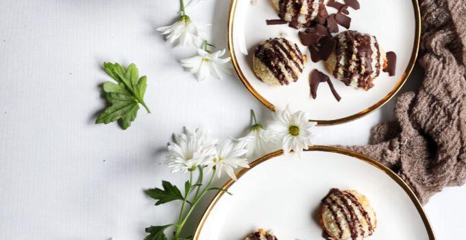 Lemon Almond Macaroons with Dark Chocolate Drizzle