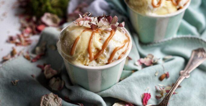 Vanilla Bean Frozen Yogurt with Salted Caramel Drizzle