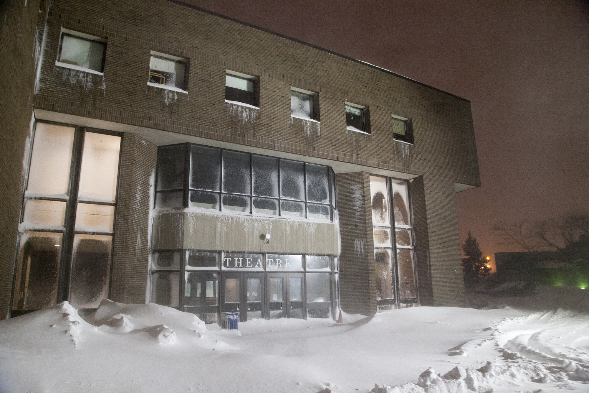 The Staller Center at Stony Brook University during Winter Storm Jonas on Saturday, Jan. 23. All events at the Staller Center were cancelled on Saturday due to the storm. CHRISTOPHER CAMERON/THE STATESMAN