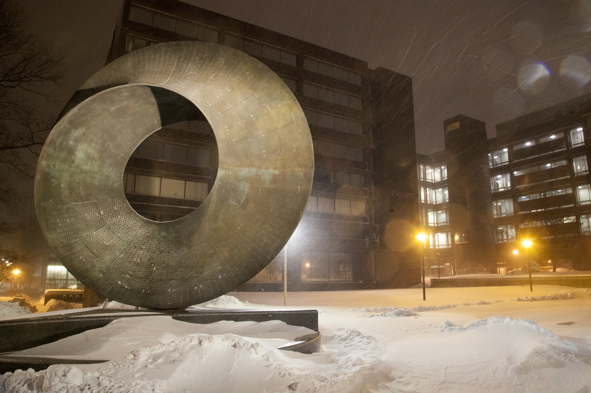 The Umbilic Torus at Stony Brook University during Winter Storm Jonas on Saturday, Jan. 23. CHRISTOPHER CAMERON/THE STATESMAN