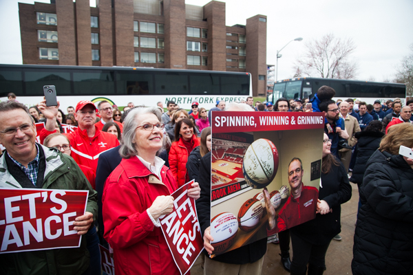 Fans sport their red and are excited to see the team head out to the NCAA Tournament. KRYSTEN MASSA/THE STATESMAN
