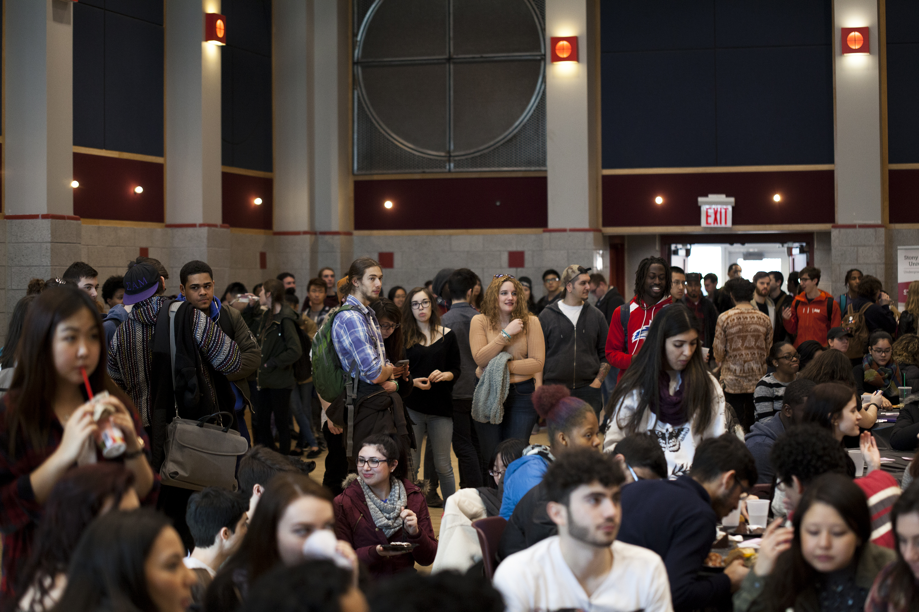 Hundreds of students crowded SAC Ballroom A for the Brookfest Artist Release Party hosted by USG. The event featured student performers who competed for the opening act spot at Brookfest 2016.<em>ERIC SCHMID/THE STATESMAN</em>