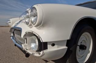1961 Chevrolet Corvette Gulf Oil Race Car Front Detail