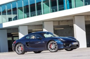 2014 Porsche Cayman S - Front