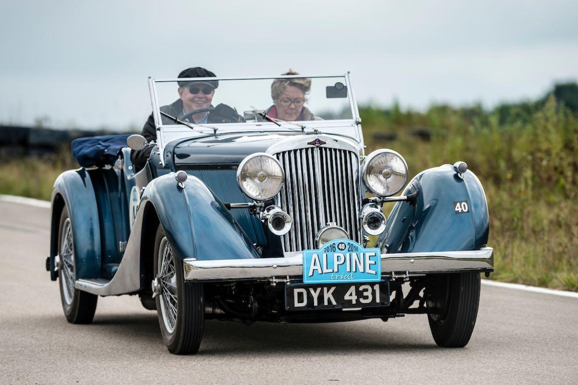 Car 40 Rod Taylor (GB) / Rosemary Taylor (GB) 1937 Talbot 110