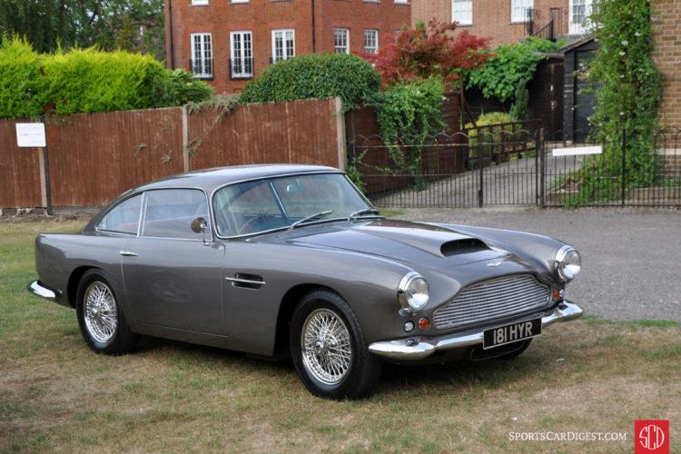 Aston Martin DB4 Series II (1960) A