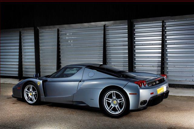 rm-auction_ferrari-leggenda_enzo.jpg