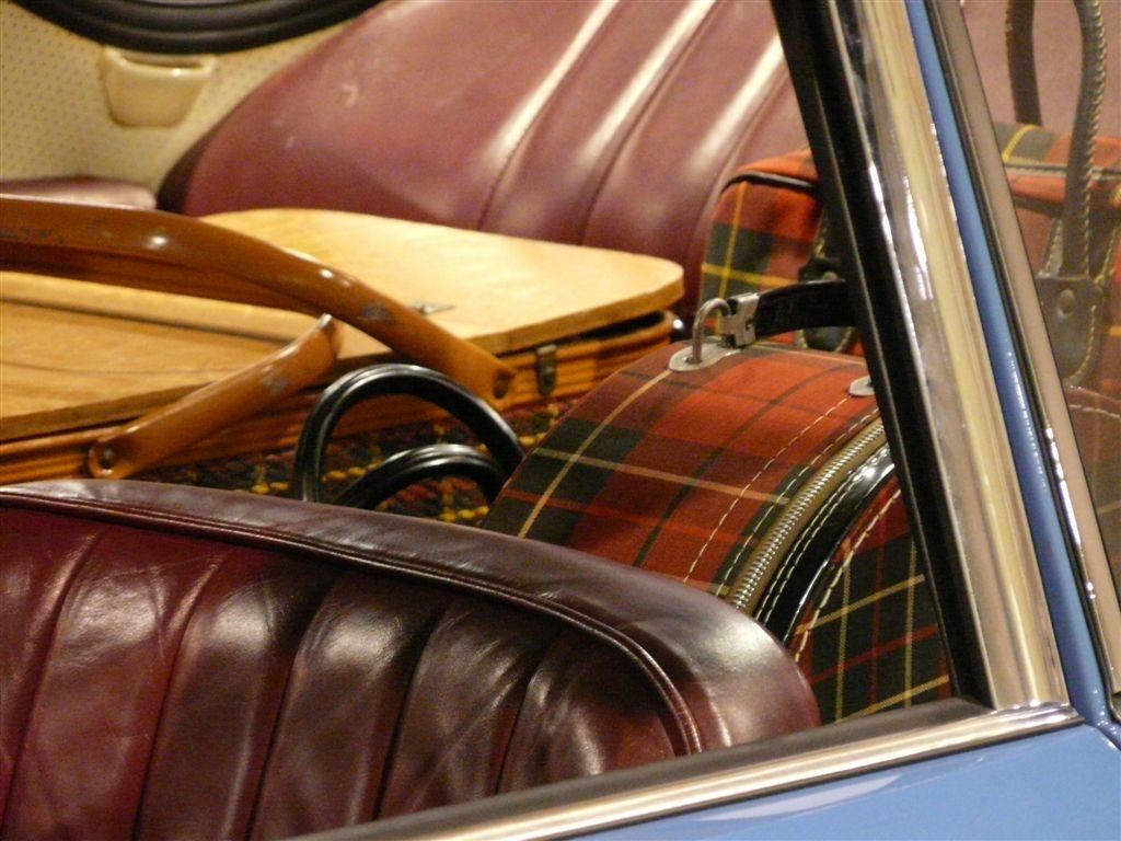 heritage-and-history-blue-356-luggage.jpg