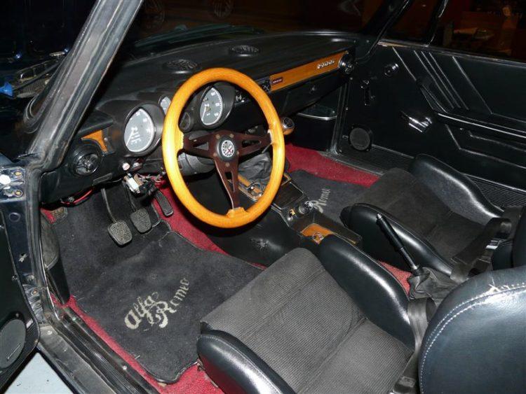 myalfa-gtv-interior.jpg