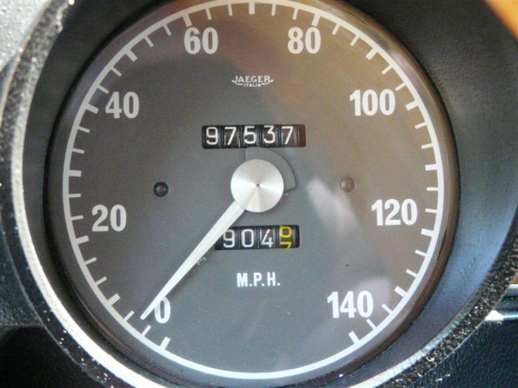 myalfa-gtv-interior-speedo-1.jpg