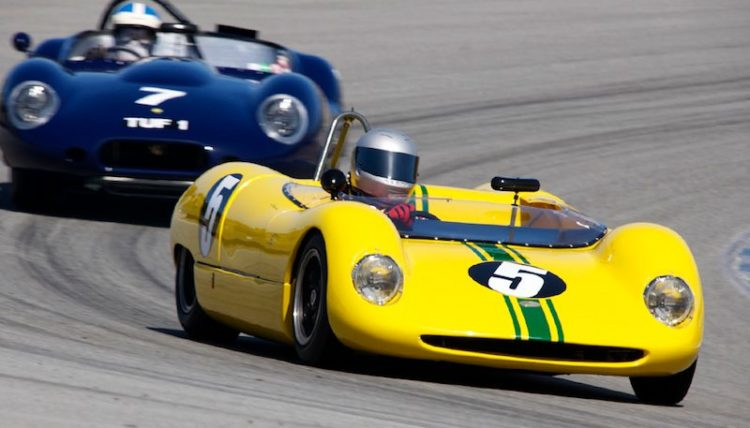 Victor Avila's 1964 Brabham BT5 leads the Lister Chevy of Nick Colonna.