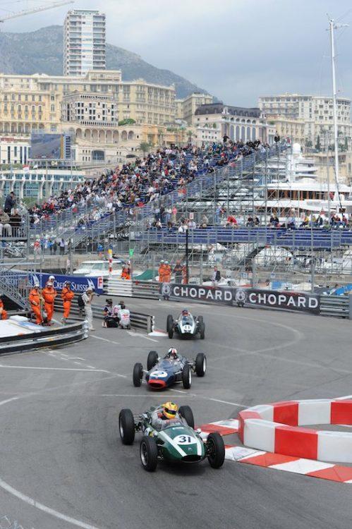 Cooper T51 (Alfa Conrero) - Andrea Giuliani leads Lotus 24 - Nigel Williams and Cooper T51 (Climax) - John Clark