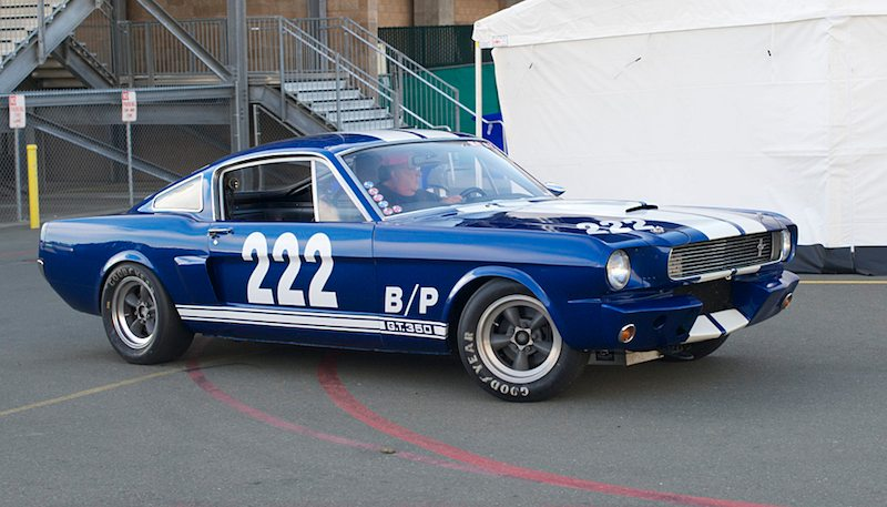 ideling-through-the-pits-sunday-morniong-craig-wrights-66-shelby-gt-350