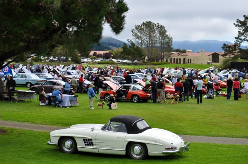 Big crowd at Legends of Autobahn