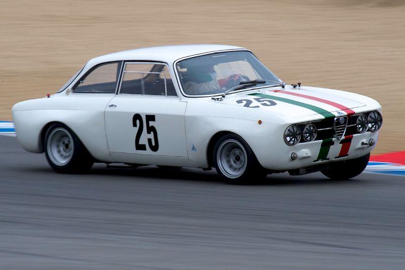 Fred Della Noce in his Alfa Romeo GTAm.