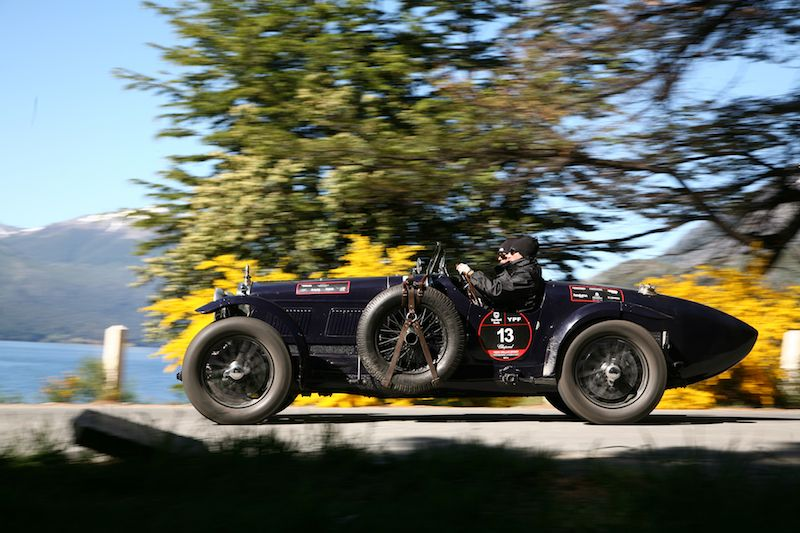 1000-millas-sport-2010-bugatti-side