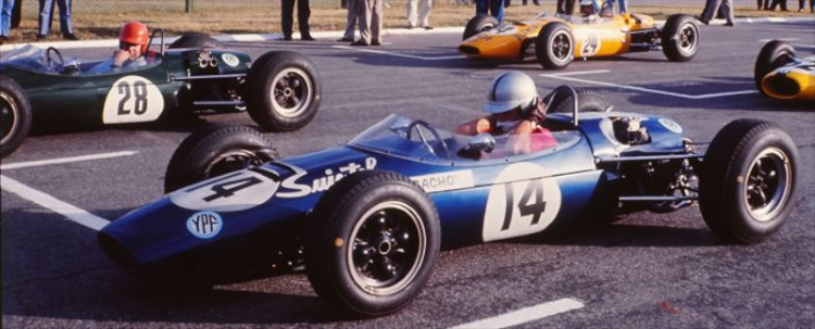 Fangio in a F3 Race 1966 with Suixtil as a primary sponsor.
