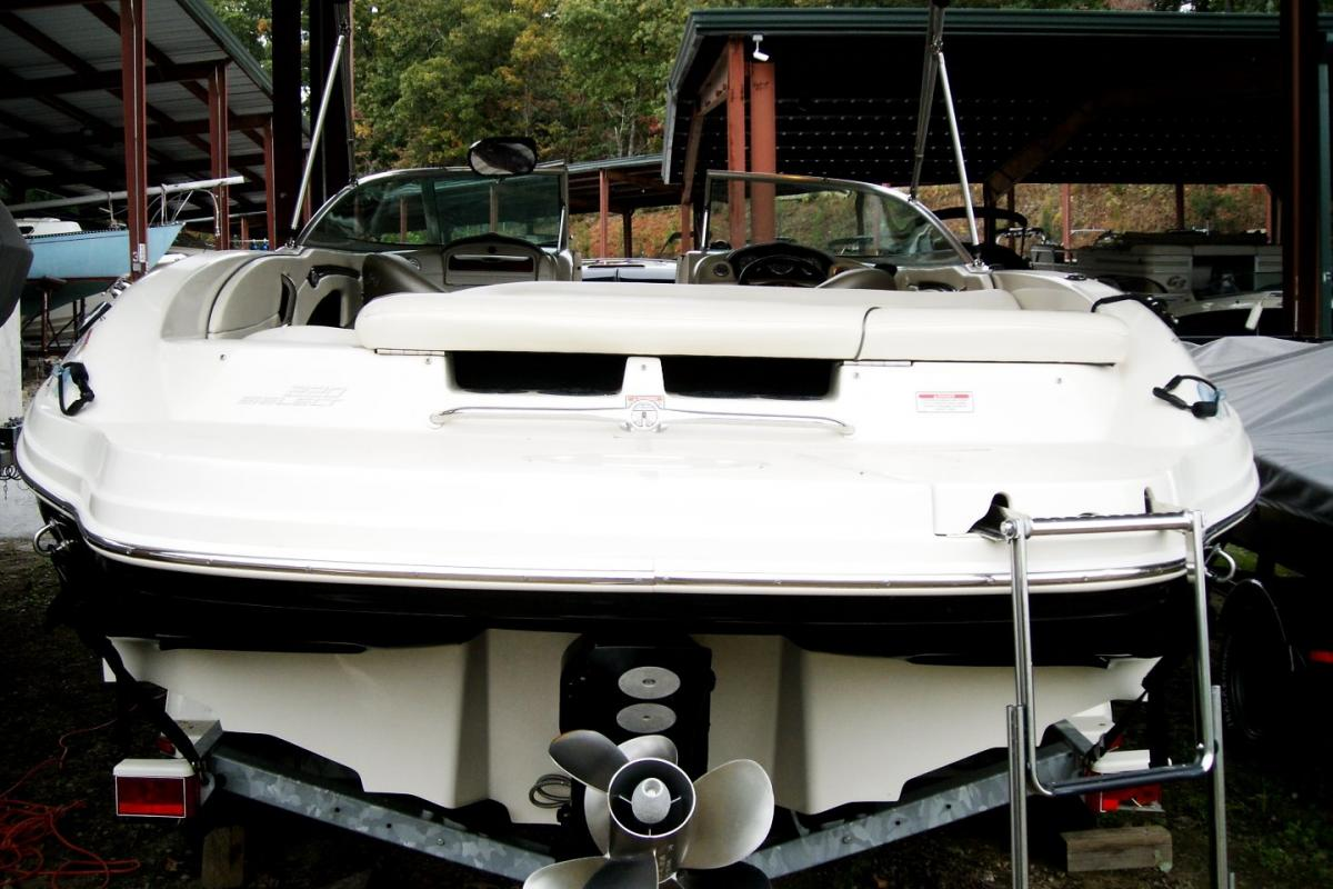 2005 Sea Ray 220 Select, 4