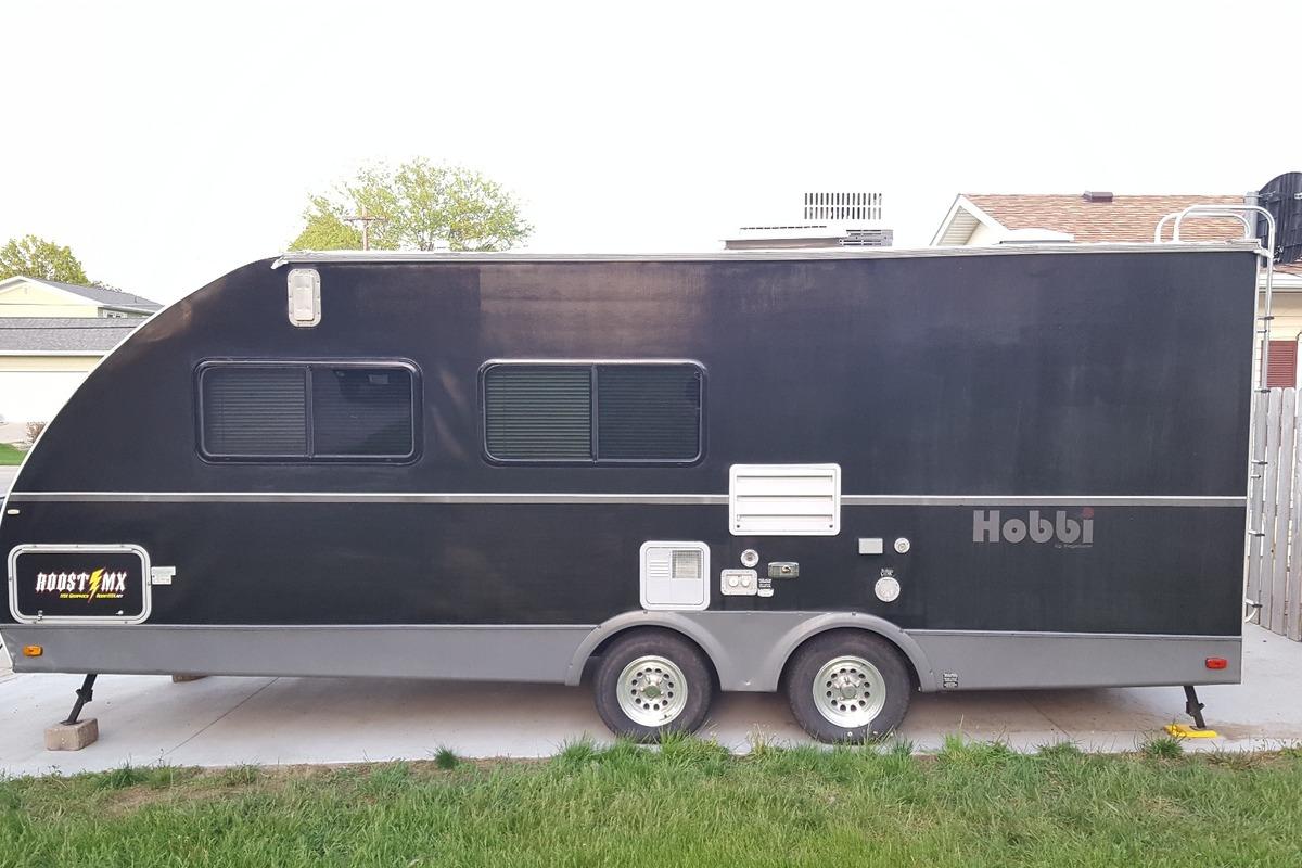 2006 Keystone Hobbi HB220 Toy Hauler, 3