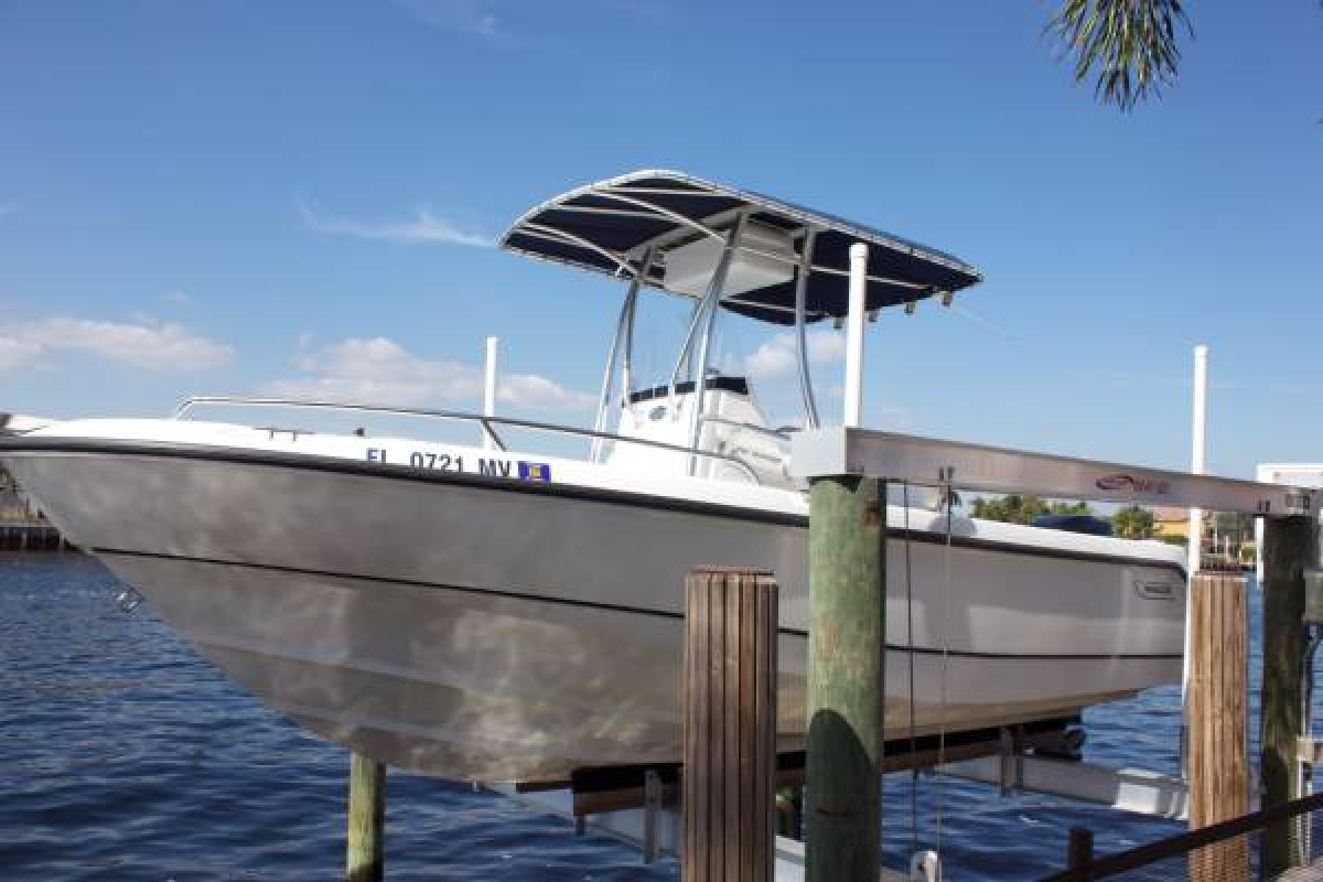 2004 Boston Whaler Outrage, 0