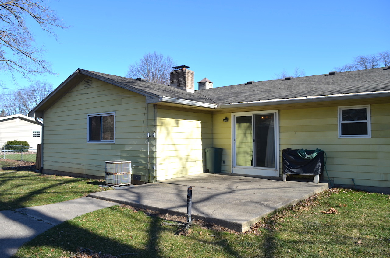 Great 3 Bedroom 2 Full Bath Investment Home In Brookside