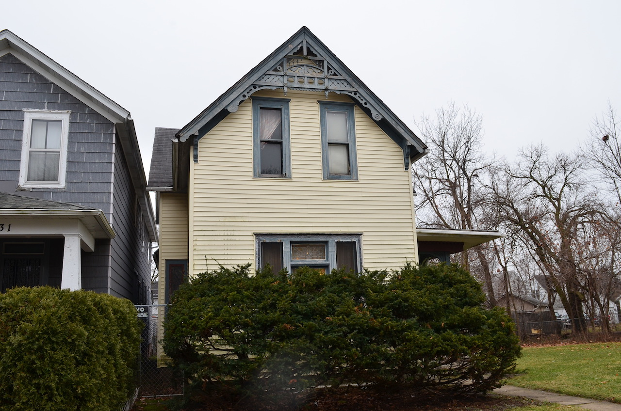 Spacious 3 Bedroom 2 Story Victorian Investment