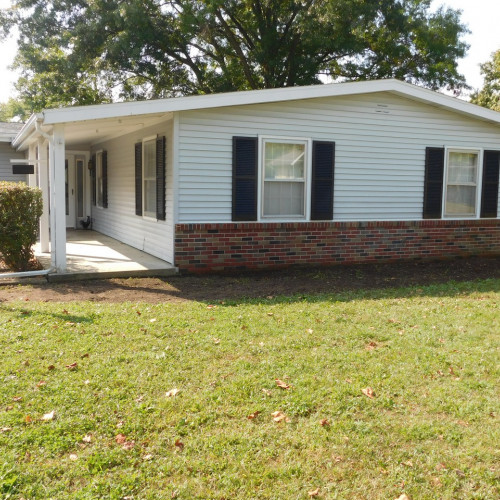 3 bedroom single family home located in Huntington