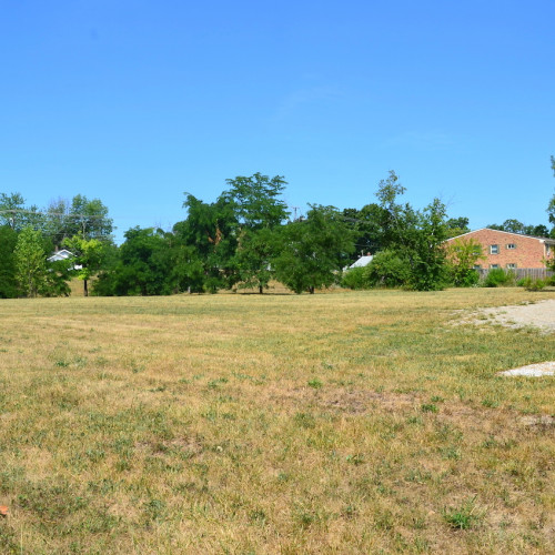 2.759+/- acre empty lot located on Spy Run Exd., minutes from War Memorial Coliseum.