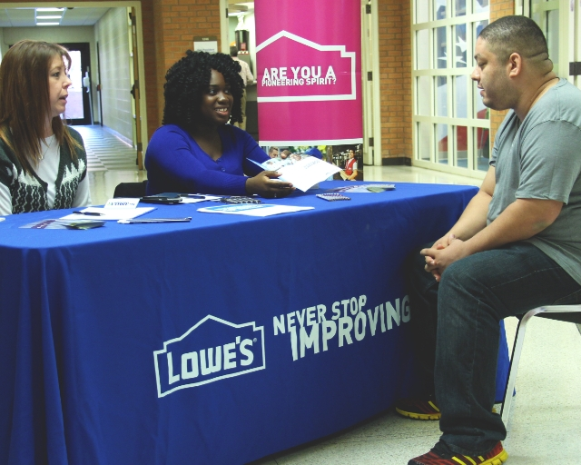Employers Recruit On Campus