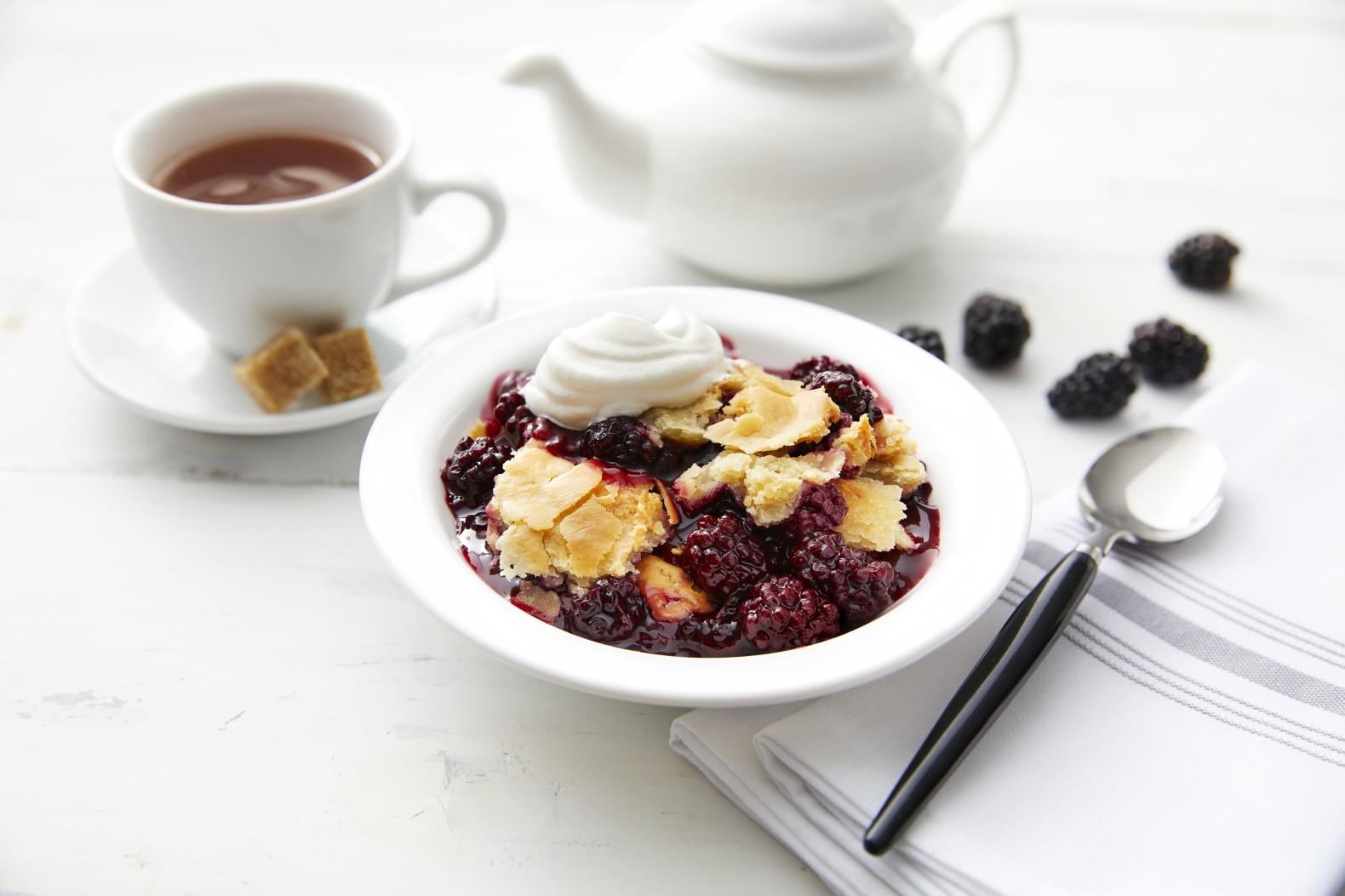 mrs_smith_s_6_lb_buffet_style_ready_to_bake_blackberry_cobbler-4001471