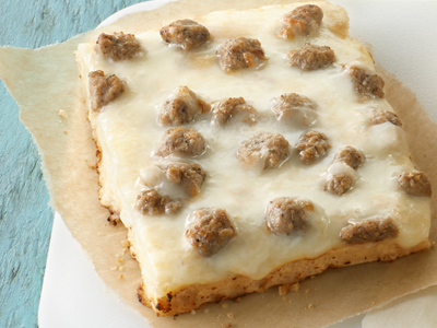 tony_s_51_wg_turkey_sausage_country_gravy_breakfast_pizza-78352