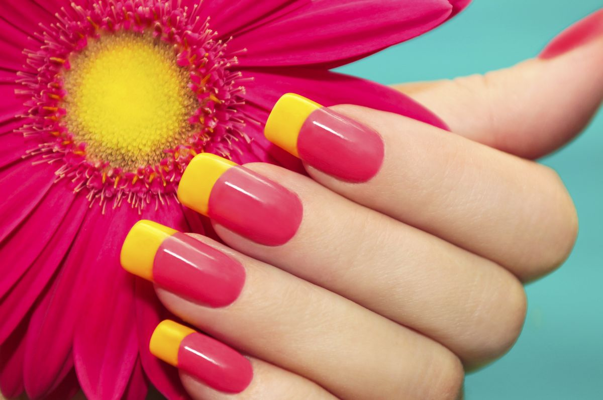 How To Choose The Right Nail Polish For Your Outfit