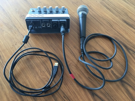 hook up microphone to receiver