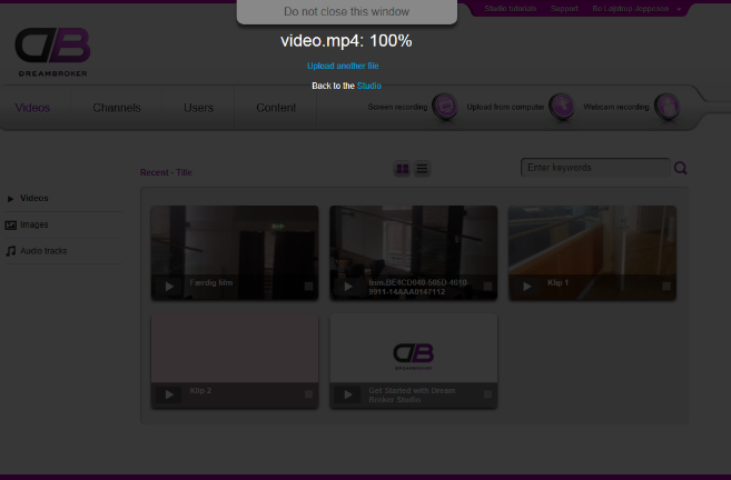 Så går computeren i gang med at uploade video-filen