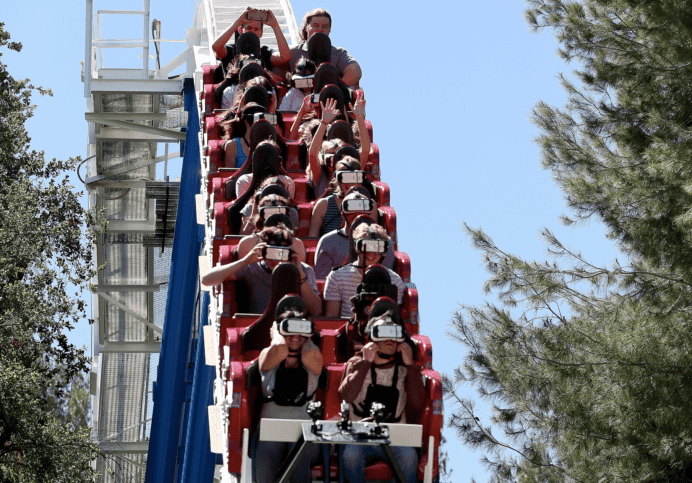 samsung offered special glasses for a six flags ride