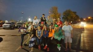 Key Clubbers helping with SPS Trunk or Treat