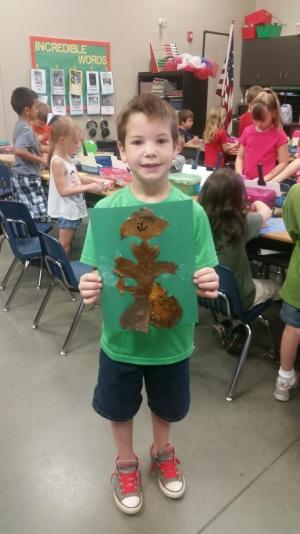 Learning about the /l/ sound. Making a leaf man