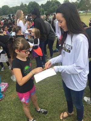 Lindsey getting an autograph!