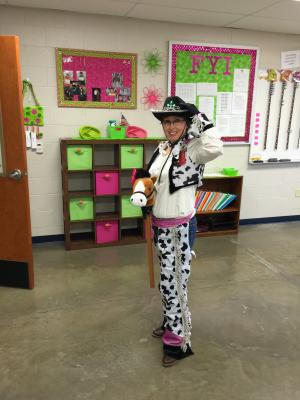 Cowgirl at Red Ribbon Week