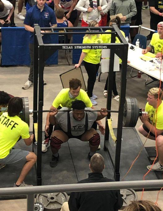 King Ties for Fifth Place at State Powerlifting