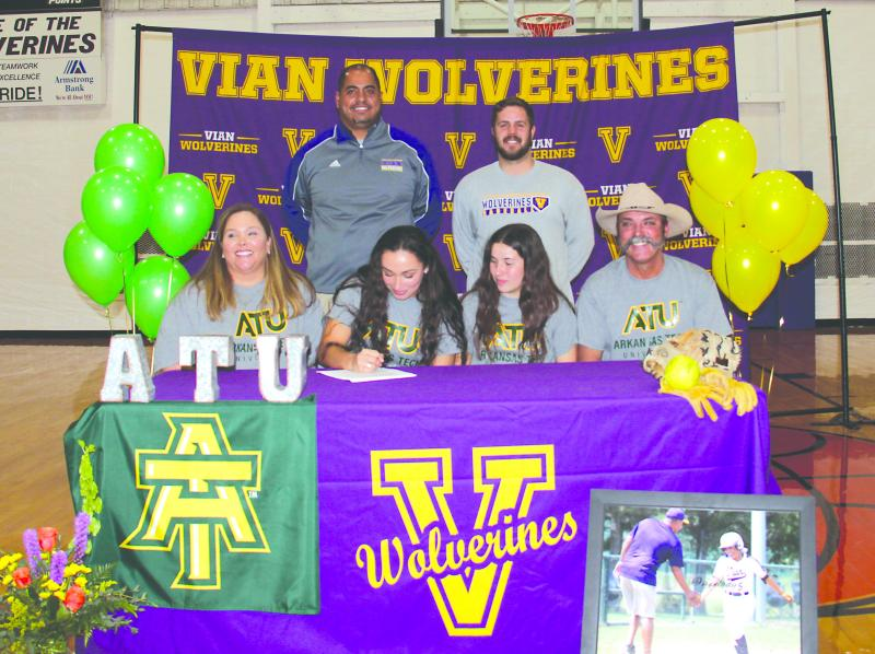 Kacie Gibbins Signs With Arkansas Tech