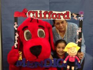 Clifford visited Mendiola Elementary Library during Grandparents Day Bingo